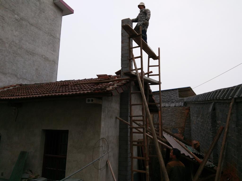 柴火灶的烟囱是什么材料做的?图片